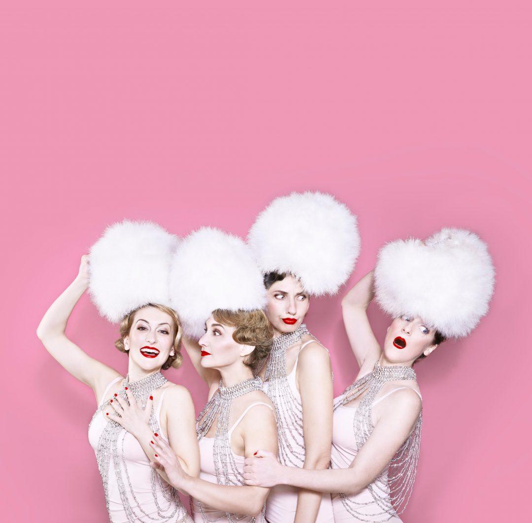 Les Sea Girls – «La Revue»